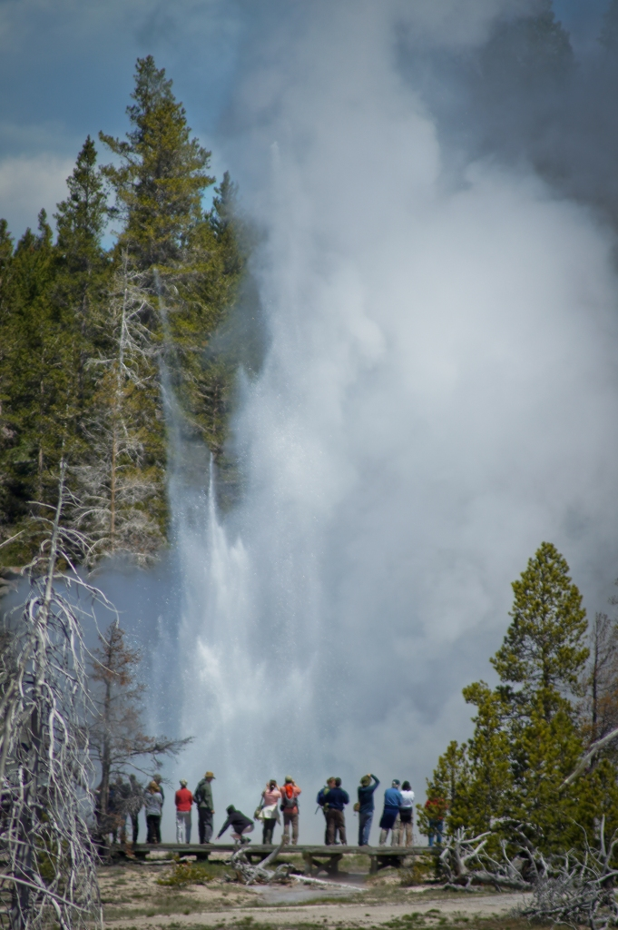 Grand Geyser taking off up the hill