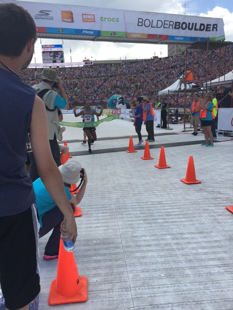 Amane Gobena finishing first for the pro-women